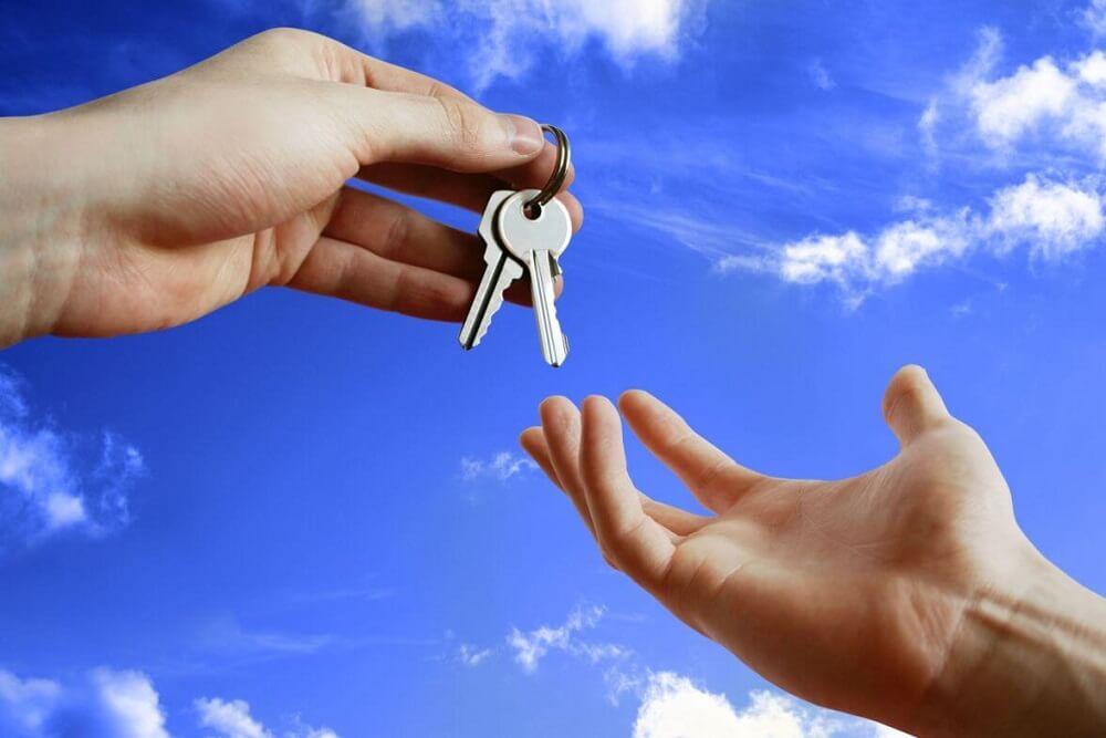 klucze do domu w zabudowie szeregowej